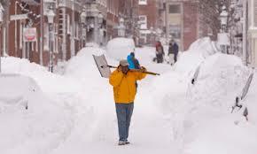 Shovel.street.snowpiles